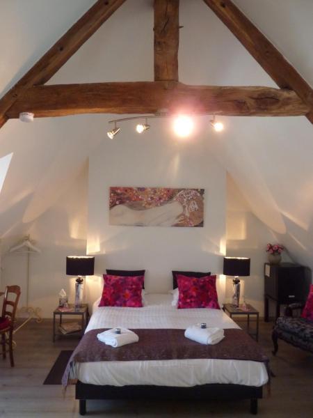 Hotel Pictures: Maison d'Hôtes Les Belles de Mai, Pontorson