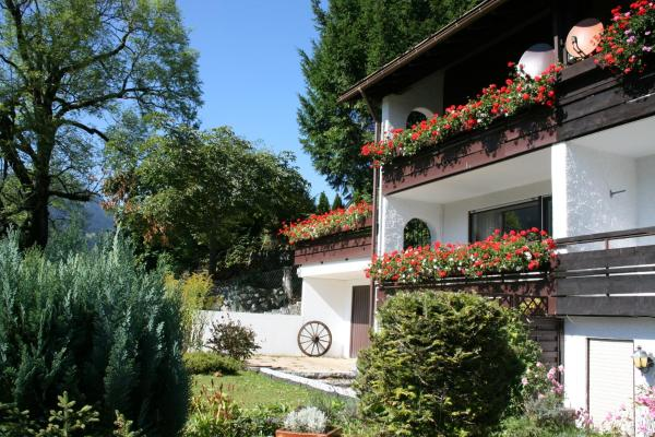 Hotel Pictures: Holiday home Berg & Tal, Obermaiselstein