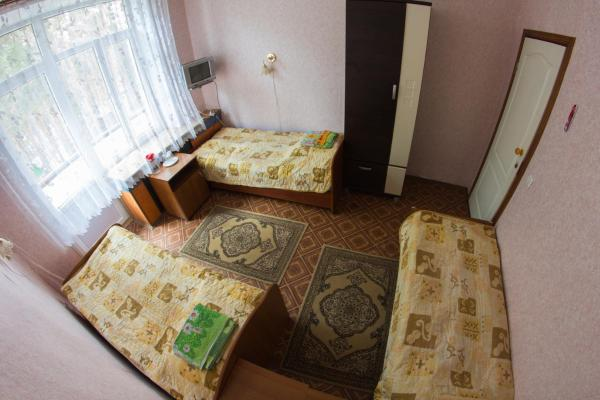 Bed in 3-Bed Dormitory Room - Treatment Included