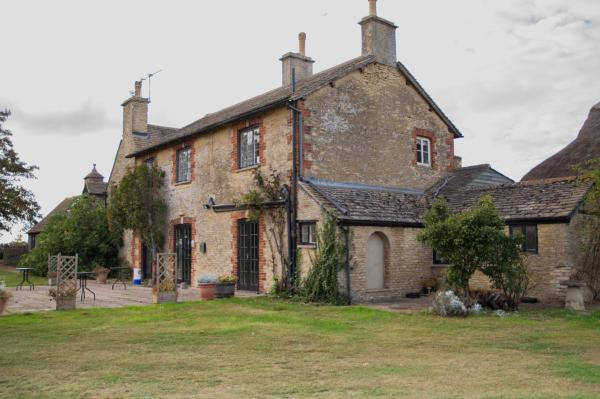 Hotel Pictures: Carswell Country Club B&B, Faringdon