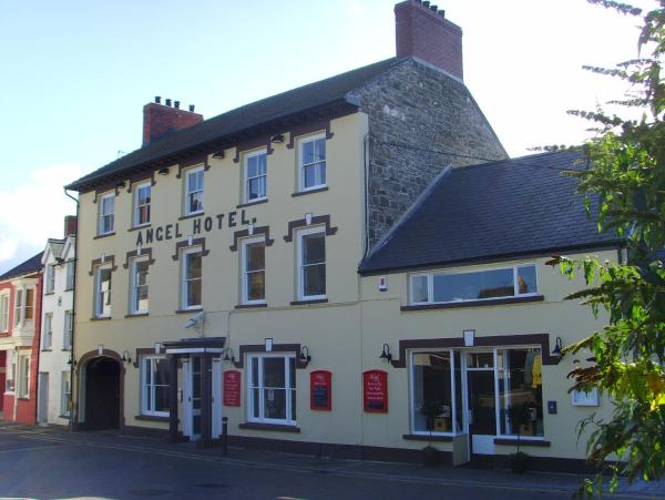 Hotel Pictures: The Angel Hotel, Cardigan