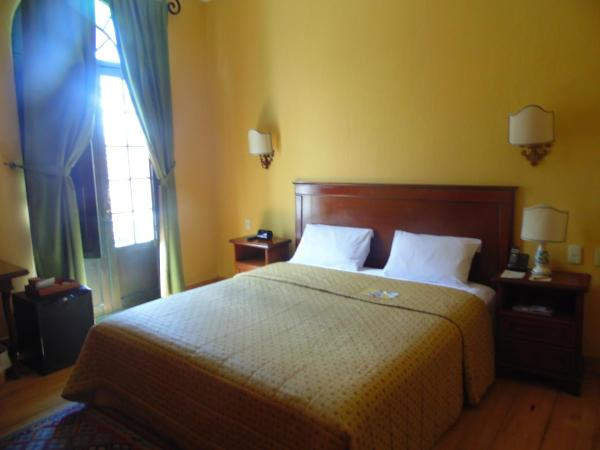 Standard Double Colonial Room