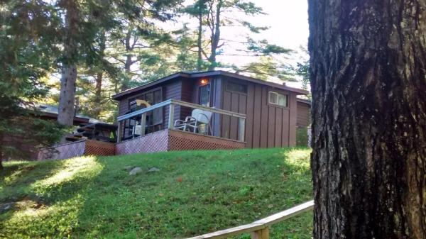 Hotel Pictures: The Pines Cottage Resort, Oxtongue Lake
