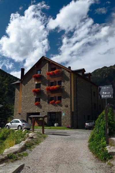 Hotel Pictures: Roca Blanca, Espot
