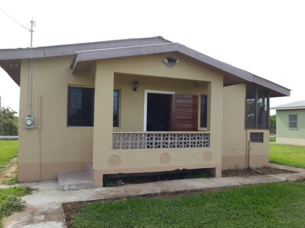Hotel Pictures: Hattieville-Belize Vacation Property, Tropical Park
