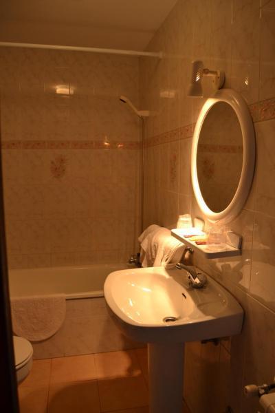 Hotel Pictures: Sidreria La Casa Abajo, La Franca