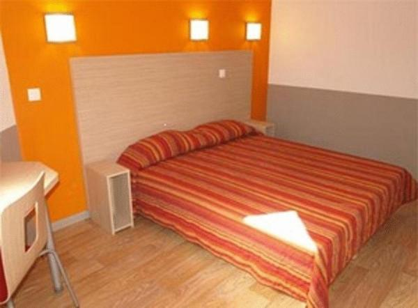 Hotel Pictures: HECO Marseille Septemes Les Vallons, Marseille