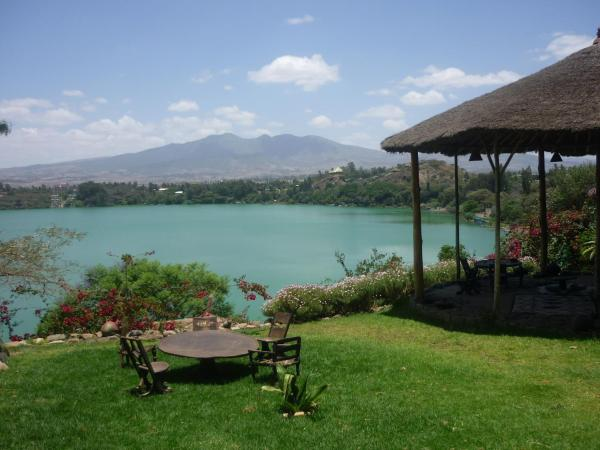 Hotel Pictures: The Babogaya Lake Viewpoint Lodge, Debre Zeyit