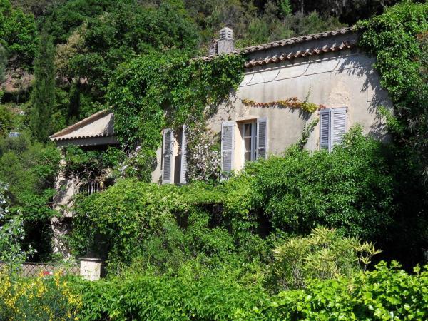Hotel Pictures: Gîte Maison d'Allouma, La Garde-Freinet