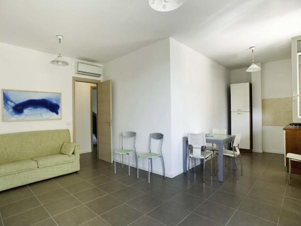 Ragusa Two-Bedroom Apartment-First Floor with Terrace and Sea View