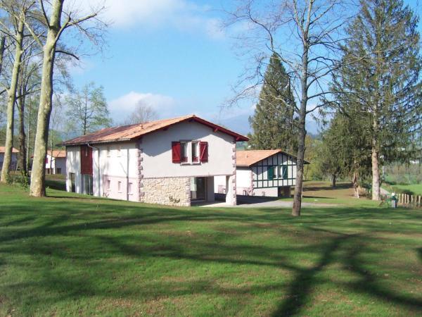Hotel Pictures: Domaine du Lac d'Harrieta, Saint-Jean-Pied-de-Port