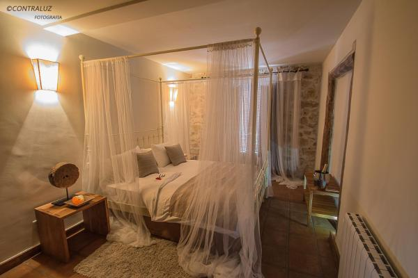 Hotel Pictures: La Posada De Lola, El Molar