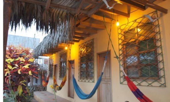 Hotel Pictures: Manglaralto Sunset Hostel, Manglaralto