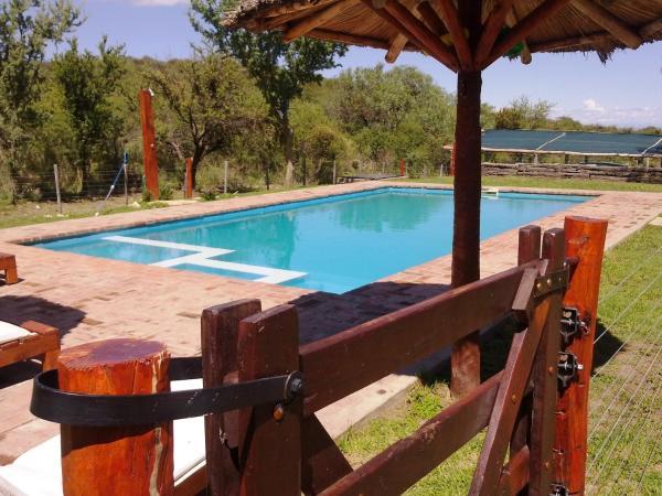 Фотографии отеля: Complejo de Cabañas Pasos Del Atardecer, Мерло