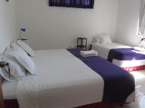 Hotel Pictures: Casa Hospedaje Sea Lions, Puerto Villamil