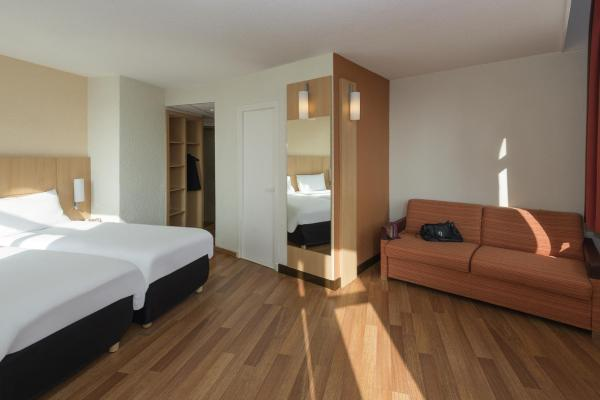 Standard  Room with 1 Double bed and 1 Single bed