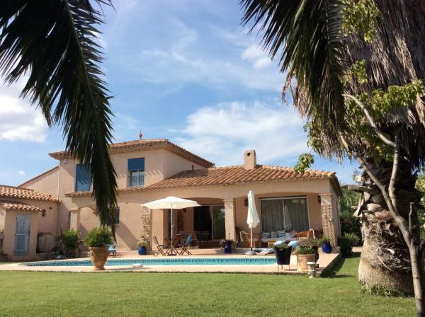 Hotel Pictures: La Villa Clava, Claira
