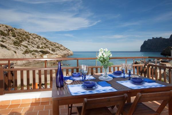 Hotel Pictures: Barques 3, Cala de Sant Vicent