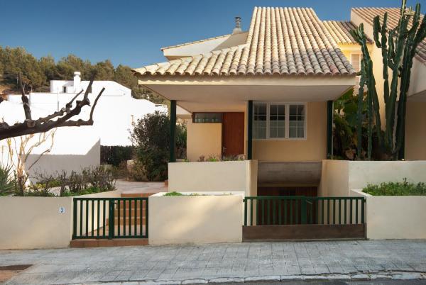 Hotel Pictures: Tornila, Cala de Sant Vicent