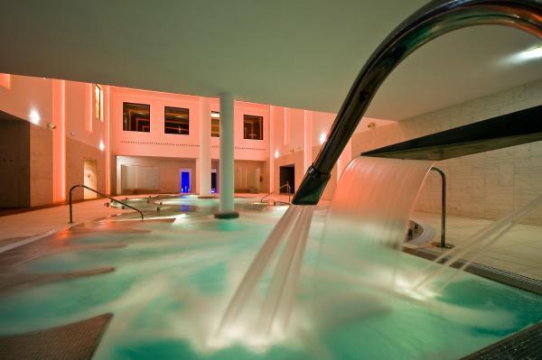 Hotel Pictures: URH Hotel Spa Zen Balagares, Overo