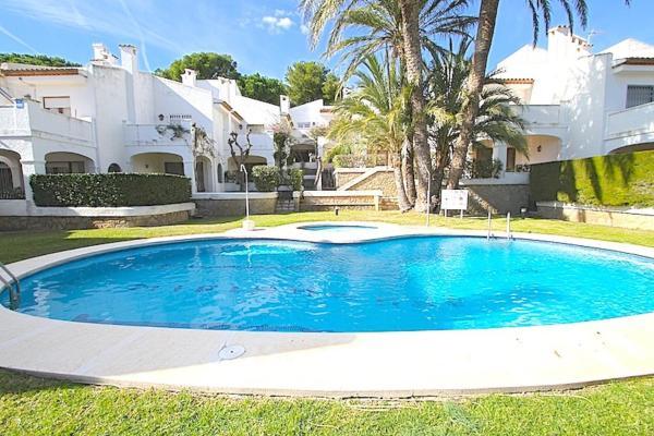 Hotel Pictures: Pino Alto Holiday Homes Playa, Miami Platja