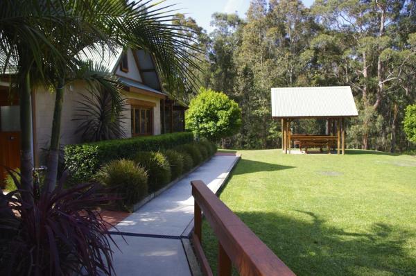 Cockatoo hill retreat