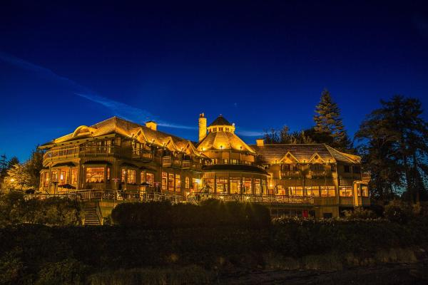 Hotel Pictures: Painter's Lodge, Campbell River