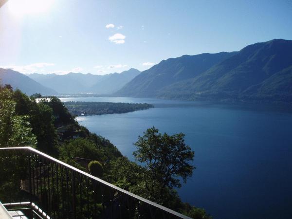 Hotel Pictures: Santa Maria Ferienwohnung, Ronco sopra Ascona