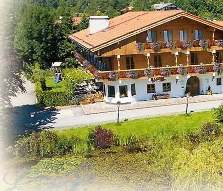 Hotel Pictures: Hotel Gasthof Eder, Gmund am Tegernsee