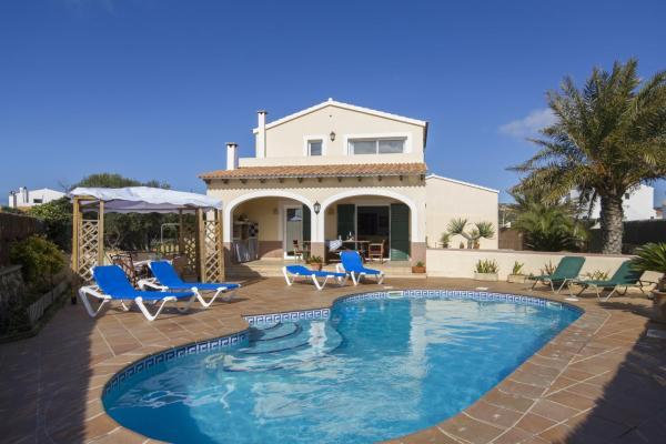 Hotel Pictures: Villa Tali, Cala en Blanes