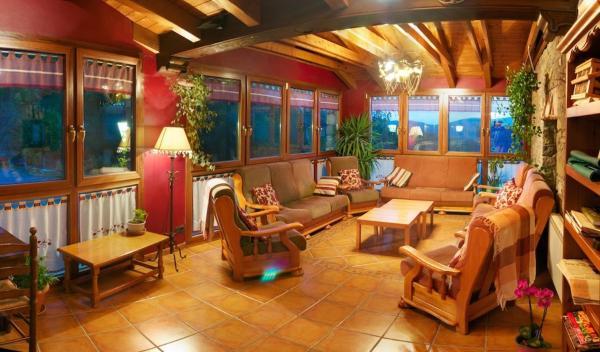 Hotel Pictures: Hostal Ca de Graus, Castanesa