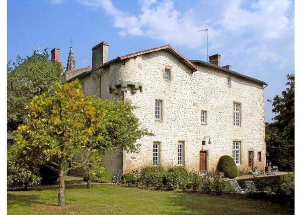 Hotel Pictures: Villa in Deux Sevres I, Pressigny