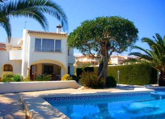 Hotel Pictures: Villa in Alicante VI, Casas de Torrat
