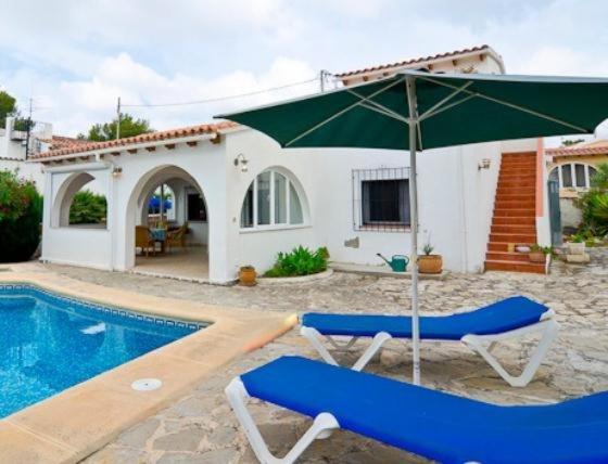 Hotel Pictures: Villa in Alicante Calpe XIV, Casas de Torrat