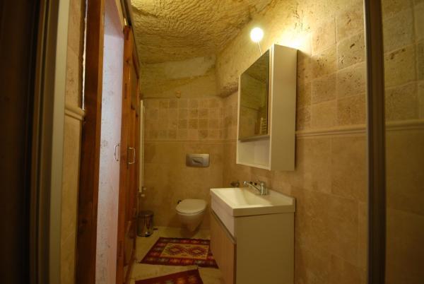 Panaromic Cave Room 3