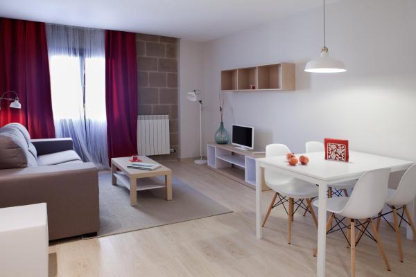 Hotel Pictures: Apartamentos Turísticos Beethoven Haro, Haro