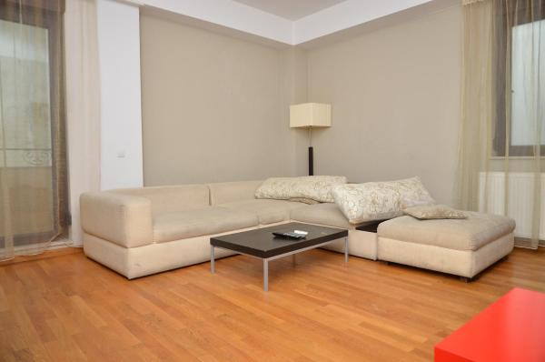 Luxury One-Bedroom Apartment with Airport Transfer
