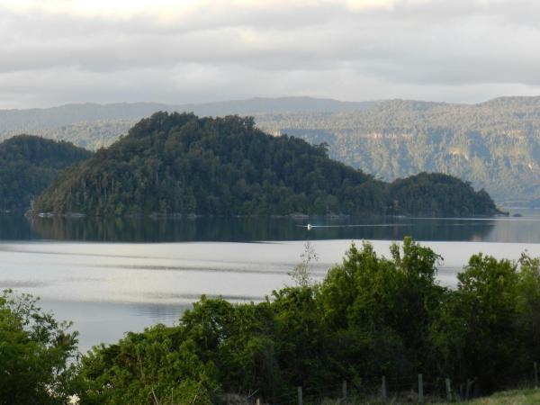 Hotel Pictures: Cui Cui Island, Puyehue