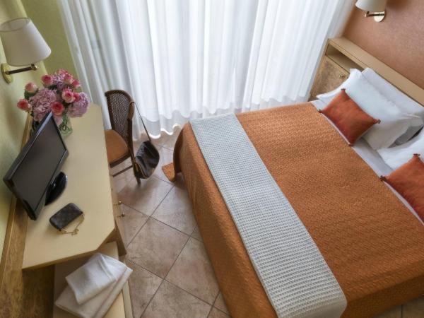 Superior 1-Bedroom Apartment