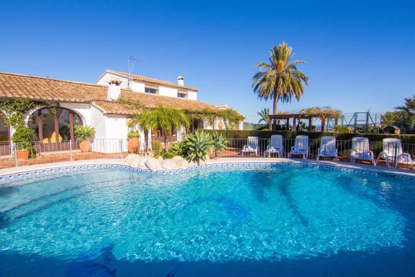 Hotel Pictures: Abahana Villa San Jaime, Paratella