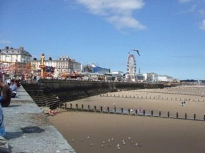 Hotel Pictures: Spa Holiday Apartments, Bridlington