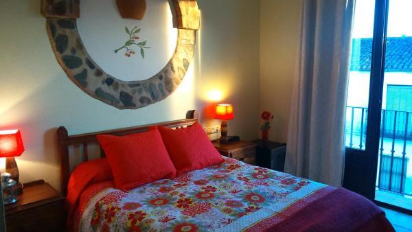 Hotel Pictures: Hostal Rural Molino Del Bombo, Aracena