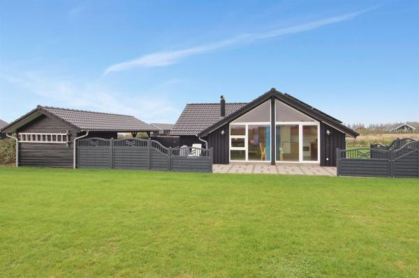 Hotel Pictures: Holiday home Tarm 635 with Terrace, Hemmet