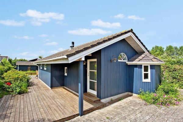 Hotel Pictures: Holiday home Otterup 723 with Terrace, Otterup