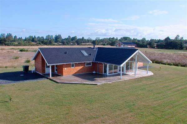 Hotel Pictures: Holiday home Væggerløse 305 with Sauna and Terrace, Bøtø By
