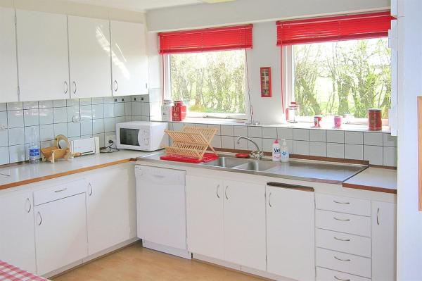 Hotel Pictures: Holiday home Aakirkeby 763 with Terrace, Åkirkeby