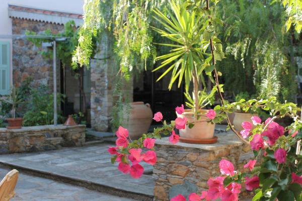 Hotel Pictures: , Sorbo-Ocagnano