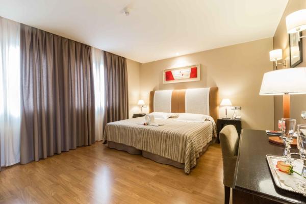 Hotel Pictures: El Patio, La Almunia de Doña Godina