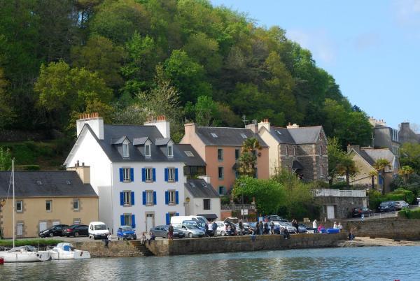 Hotel Pictures: , Locquénolé