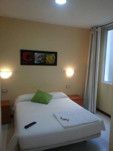 Hotel Pictures: Hostal Ancla Dorada, Vigo